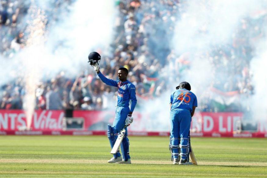 14 பந்துகளில்அதிரடியாக 33 ரன்கள் அடித்து இந்திய அணியின் வெற்றிக்கு உதவிய ஹர்திக் பாண்டியா.