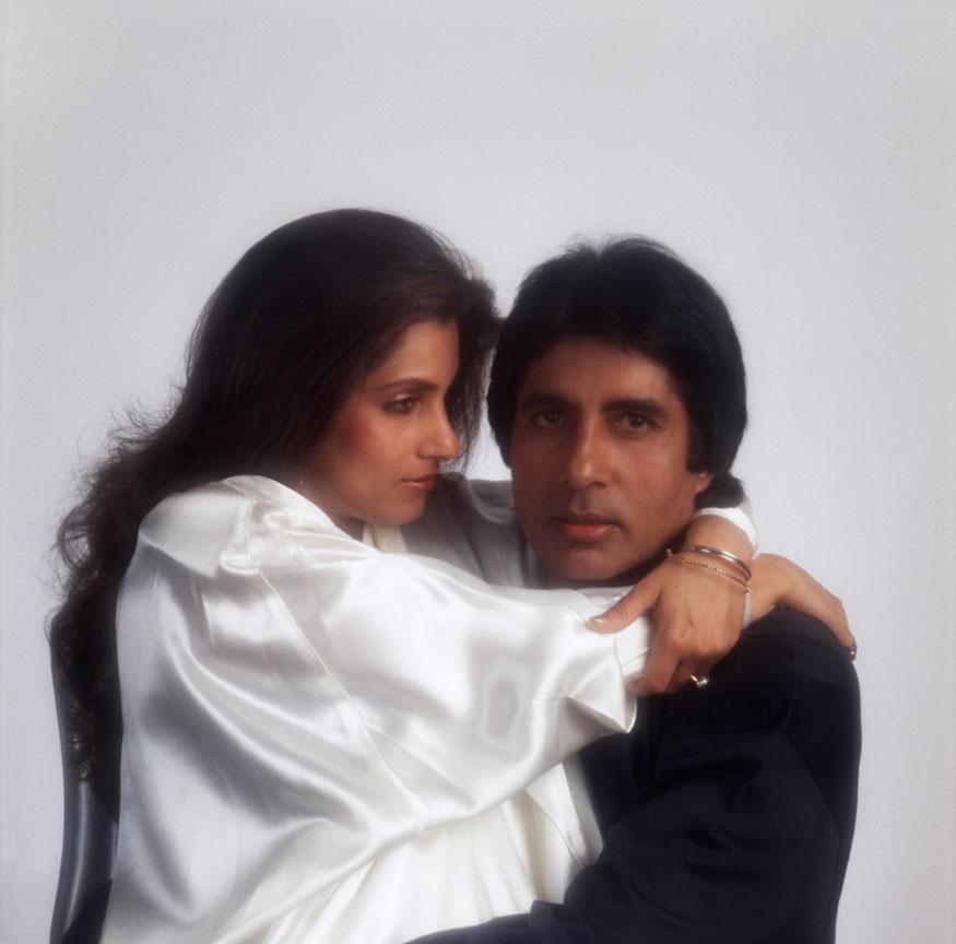 1988 - ம் ஆண்டு எடுக்கப்பட்டது, டிம்பிள் கபாடியாவுடன் அமிதாப் பச்சன்(Image: Getty Images)
