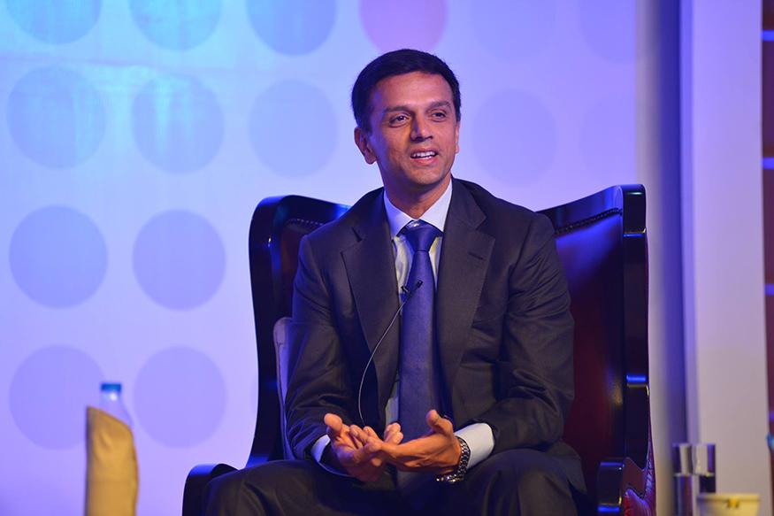 2011-ம் ஆண்டு ஒரு நாள் போட்டிகளில் இருந்து ஓய்வுபெற்ற டிராவிட், 2012-ம் ஆண்டு டெஸ்ட் போட்டிகளிலிருந்தும் ஓய்வு பெற்றார்.(Image: Facebook/Rahul Dravid)