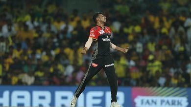 வாட்சனை அவுட்டாக்கிய கொண்டாட்டத்தில் சாஹல்.(IPL)