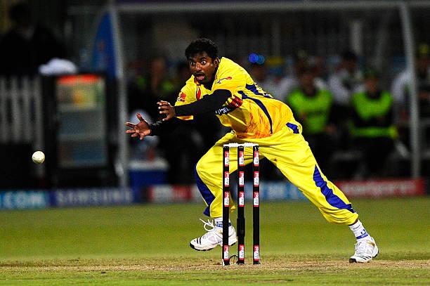 2009-ம் ஆண்டு நடைபெற்ற போட்டியில் 4 ஓவர்கள் வீசி 11 ரன்கள் மட்டுமே கொடுத்து 3 விக்கெட்டுகளை வீழ்த்தி சென்னை அணி 92 ரன்கள் வித்தியாசத்தில் வெற்றி பெற உறுதுணையாக இருந்தார்.