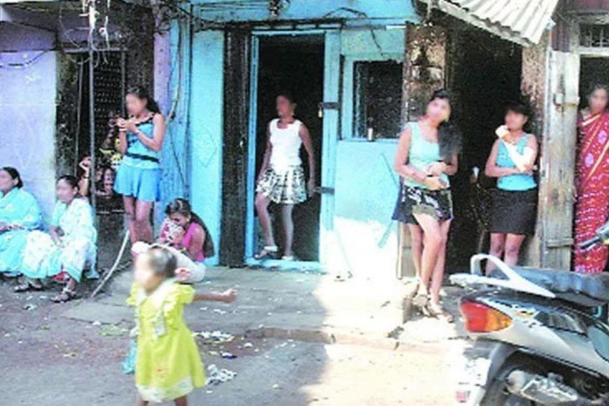 மேற்கு வங்க மாநிலத்தில் மம்தா பானர்ஜி தலைமையிலான ஆட்சி நடைபெற்று வருகிறது. இங்கு 7 கட்டங்களாக மக்களவைத் தேர்தல் நடைபெற்றுவருகிறது.