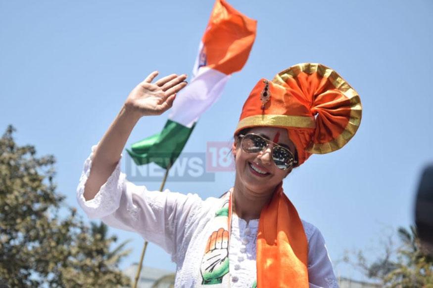 மக்களவைத் தேர்தலில் மும்பை வடக்கு தொகுதியில் நடிகை ஊர்மிளா மடோன்கர் போட்டியிடுகிறார்.(படம்: நியூஸ்18)