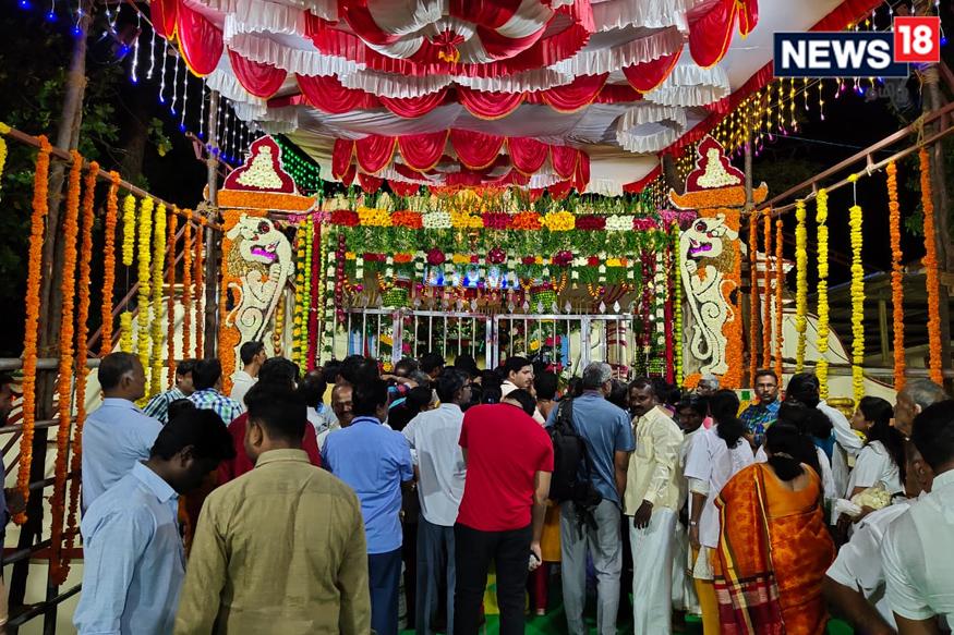 அத்தி வரதர் (படம்: சந்திரசேகர் - காஞ்சிபுரம் செய்தியாளர்)