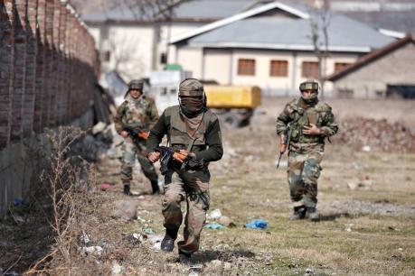 பாகிஸ்தான் ராணுவம் தாக்குதல்: 4 இந்திய வீரர்கள் உயிரிழப்பு