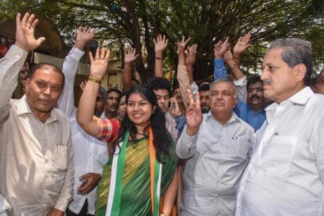 10 ஆண்டுகளாக பாஜகவின் வசம் இருந்த ஜெயநகர் தொகுதியில் காங்கிரஸ் வெற்றி