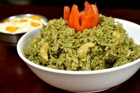 லஞ்ச் பாக்ஸ் ரெசிபீ : எளிதில் சமைக்கலாம் புதினா சாதம் ( mint pulao )