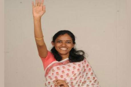வேட்பாளர் அறிவோம் - ஜோதிமணி ( கரூர் காங்கிரஸ் )